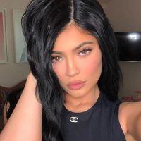 """Kylie Jenner milliardaire """"self-made"""" : elle confie gagner son propre argent depuis qu'elle a 15 ans"""