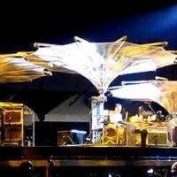 U2 ... Ecoutez Boys Falls From the Sky, issue de la comédie musicale Spider-Man