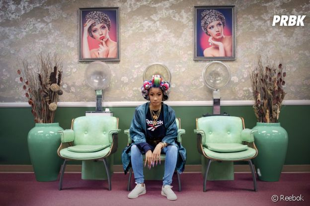 Reebok : Cardi B se fait chouchouter chez le coiffeur dans la nouvelle campagne de pub de la marque