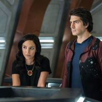 Legends of Tomorrow saison 5 : Brandon Routh (Ray) et Courtney Ford (Nora) quittent la série
