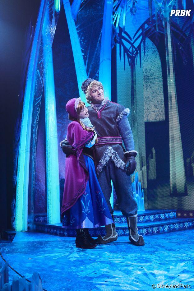 Anna et Kristoff dans le spectacle La Reine des Neiges : une invitation musicale à Disneyland Paris