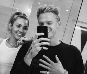 Miley Cyrus et Cody Simpson séparés ? Elle répond sur Instagram
