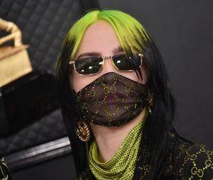 Billie Eilish : des fans se font passer pour elle, elle les mets en garde