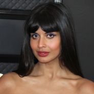"Jameela Jamil (The Good Place) : ""forcée"", elle fait son coming out queer et quitte Twitter"