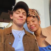 Ross Lynch en couple avec Jaz Sinclair : il la défend face aux messages racistes
