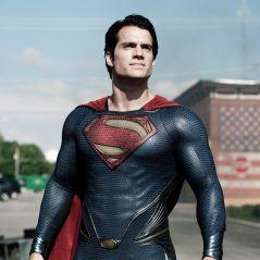 Henry Cavill de retour en Superman... mais pas dans un film solo