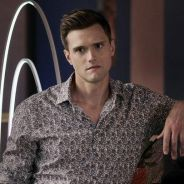 The Flash : Hartley Sawyer (Ralph) viré pour des remarques racistes et sexistes, il s'excuse