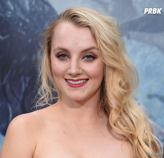 """Evanna Lynch fan d'Harry Potter depuis ses 8 ans : """"la fan culture peut être dangereuse"""""""