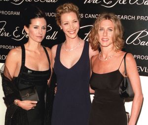 Jennifer Aniston, Lisa Kudrow et Courteney Cox jouent la carte Friends pour pousser les américains à voter