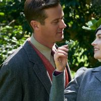 Rebecca : Lily James et Armie Hammer expliquent pourquoi ils ont dit oui au film (Interview)