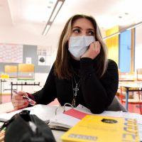 Covid-19 : les écoles bientôt fermées pour un mois ? L'appel des médecins scolaires