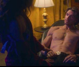 Sex/Life saison 1 : une énorme incohérence repérée durant la scène sous la douche