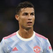Cristiano Ronaldo offre son maillot à une femme... après l'avoir assommée