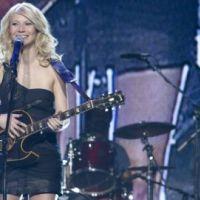 Gwyneth Paltrow ... Kelly Clarkson lui réclame un album