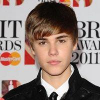 Justin Bieber aux Brit Awards 2011 ... Sa soirée de rêve avec Rihanna et Cheryl Cole