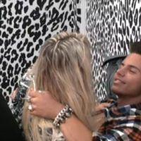 Carré Viiip ... Kevin tente d'embrasser Aurélie ... la vidéo du ''bisou''