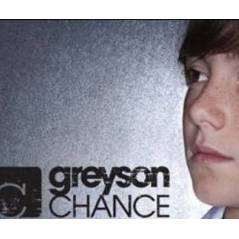 Greyson Chance ... Découvrez Light Up The Dark, son nouveau single (AUDIO)