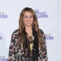 Miley Cyrus ... elle porte la moustache pour gagner des followers