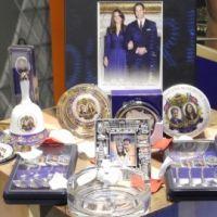 PHOTOS ... Mariage du Prince William et de Kate Middleton ... la folie des produits dérivés
