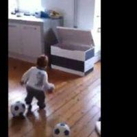 Vidéo Buzz ... Un bébé footballeur à seulement 18 mois