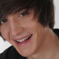 VIDEO Justin Bieber ... une reprise ratée de ''Baby'' par Florian dans X Factor
