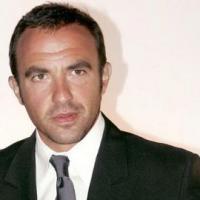 Nikos Aliagas dit bye-bye à NRJ et son 6/9 et l'annonce sur Twitter