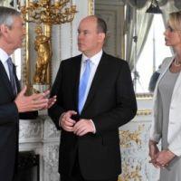 Prince Albert de Monaco et Charlene Wittstock ... Interview exclusive dans 50 mn Inside demain (vidéo)