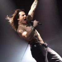 Tom Cruise PHOTO ... il a le Rock of Ages dans la peau