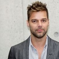 Ricky Martin ... menacé de mort sur Twitter parce qu'il est gay