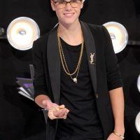Justin Bieber aux MTV VMA 2011: sans Selena Gomez mais avec un serpent (PHOTOS)