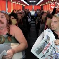 Gérard Depardieu et Edouard Baer : Astérix et Obélix parodient l'épisode du pipi dans l'avion (VIDEO)