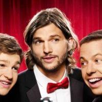 Mon Oncle Charlie saison 9 : Ashton Kutcher embrasse fougueusement Jon Cryer (VIDEO)