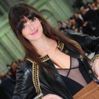 Charlotte Le Bon en Mère Noël sexy : les contes deviennent hot (VIDEO)