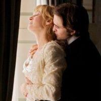 Robert Pattinson brille aux yeux d'Uma Thurman, mais pas que (lol)
