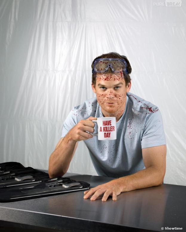 Dexter, toujours prêt à boire un coup.