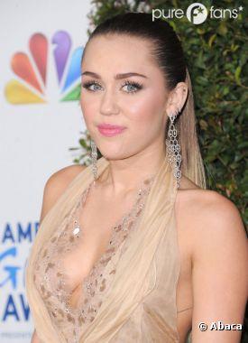 Miley Cyrus, trop la classe sur le tapis rouge