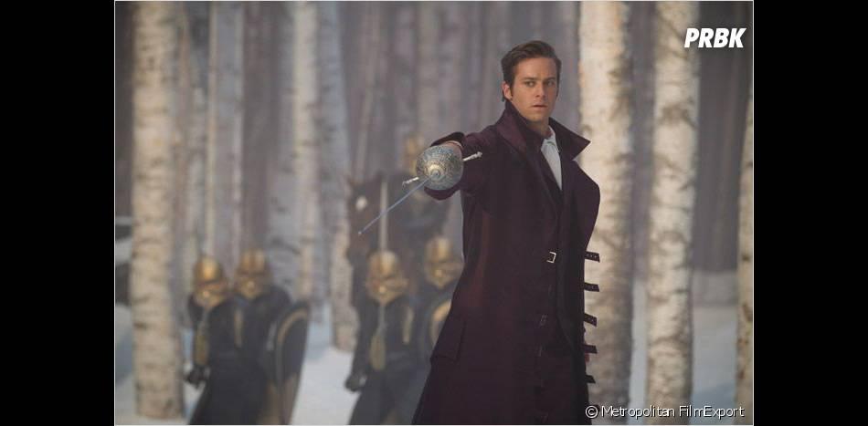 Armie Hammer est le Prince Charmant dans Mirror Mirror
