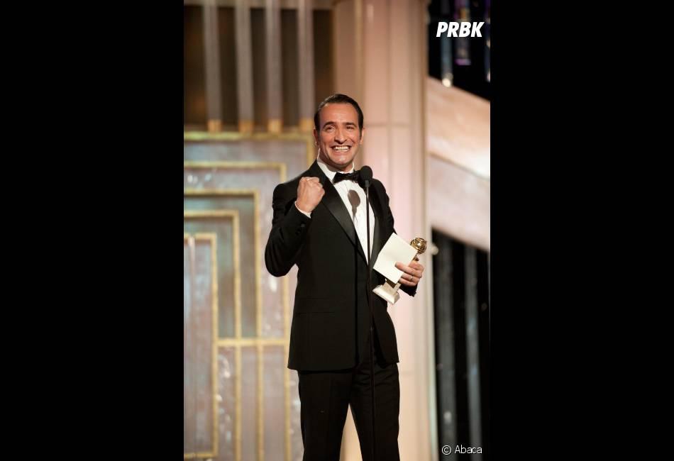 Jean Dujardin reçoit le Golden Globe de meilleur acteur dans une comédie