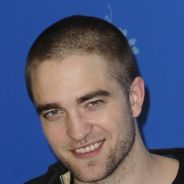 Robert Pattinson pouilleux à Berlin : mais où est le séducteur de Bel Ami ? (PHOTOS)