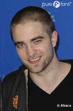 Robert Pattinson est passé chez le coiffeur