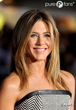 Jennifer Aniston rayonne