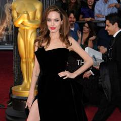 Angelina Jolie vs Miranda Kerr : la jambe droite devient tendance ! (VIDEO et PHOTOS)