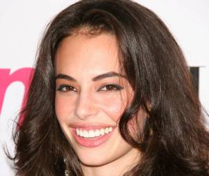 Chloe Bridges rejoint The Carrie Diaries