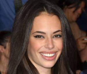 Chloe Bridges sur le tapis rouge