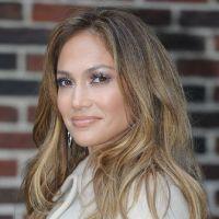 Jennifer Lopez sexy caliente sur la pochette de Dance Again !
