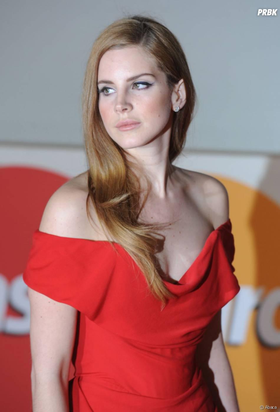 Lana Del Rey très glamour