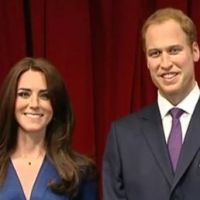 "Kate Middleton et son prince : Madame Tussauds leur ""cire"" les pompes (VIDEO)"
