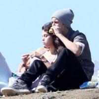 Selena Gomez et Justin Bieber : un pique-nique romantique pour zapper la jalousie ! (PHOTOS)