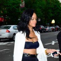 Rihanna : en soutien-gorge dans la rue et déchaînée en boîte (PHOTOS)