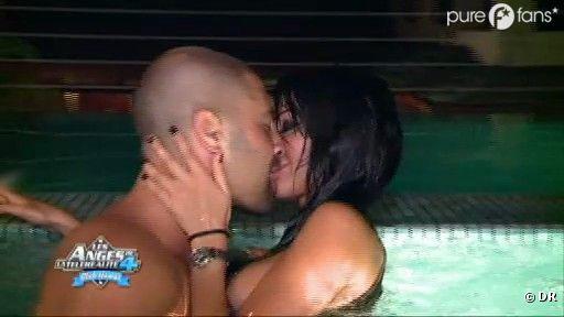 "Nabilla et Sofiane s'embrassent ""fougueusement"" !"